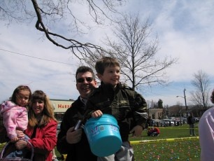 2006-easter-egg-hunt-35