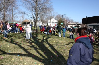 2010-easter-egg-hunt-170