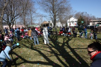 2010-easter-egg-hunt-171