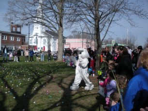 2011-easter-egg-hunt-13