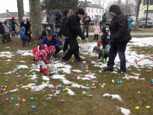 2015-easter-egg-hunt-114