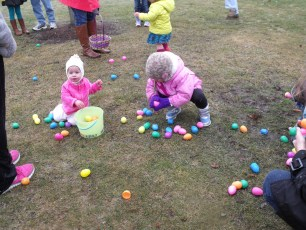 2015-easter-egg-hunt-150