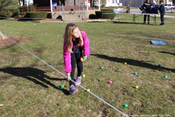2016-easter-egg-hunt-5018