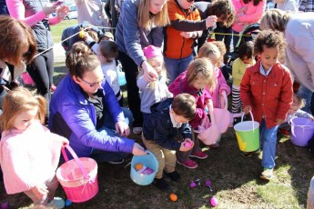 2016-easter-egg-hunt-5044