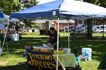 2012-jaycee-vendor-fair-02.jpg