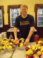 2012-fruit-baskets-330500