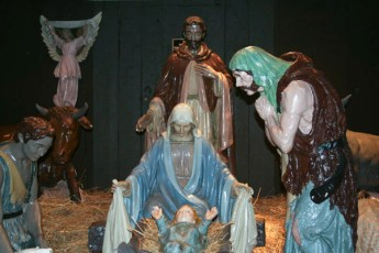 completed-nativity-016