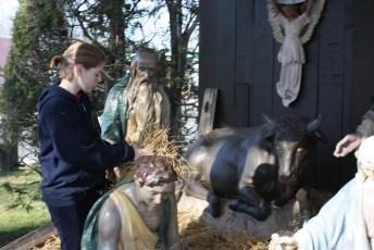 2011-christmas-nativity-10