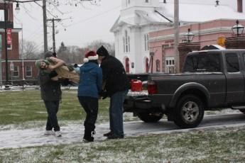 2012-nativity-setup-122