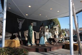 2014-nativity-setup-006