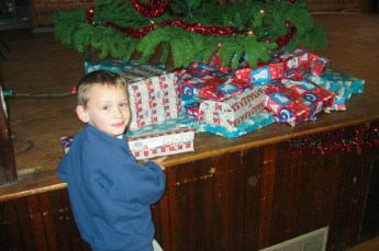 2003-kids-christmas-party-01