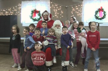 2006-kids-christmas-party-15