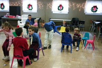 2006-kids-christmas-party-21