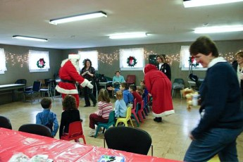 2006-kids-christmas-party-25