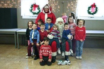 2006-kids-christmas-party-31