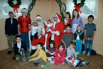 2008-kids-christmas-party-109