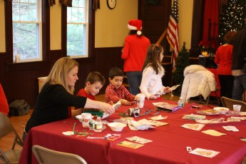 2012-032-jaycee-christmas-kids-party