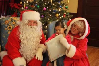 2012-040-jaycee-christmas-kids-party