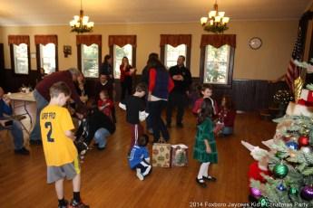 2014-jaycee-christmas-kids-party-023
