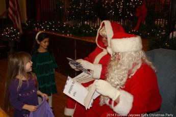 2014-jaycee-christmas-kids-party-025