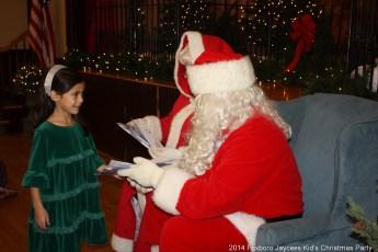 2014-jaycee-christmas-kids-party-026