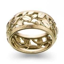 Ve zlatnickém domě používáme tři odlišné technologie pro výrobu diamantových šperků. Ruční výrobu šperků, strojovou výrobu šperků, tisk