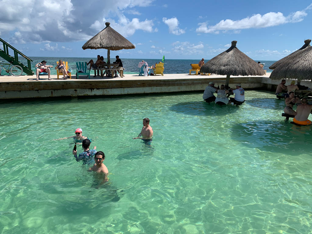 best bars in Belize