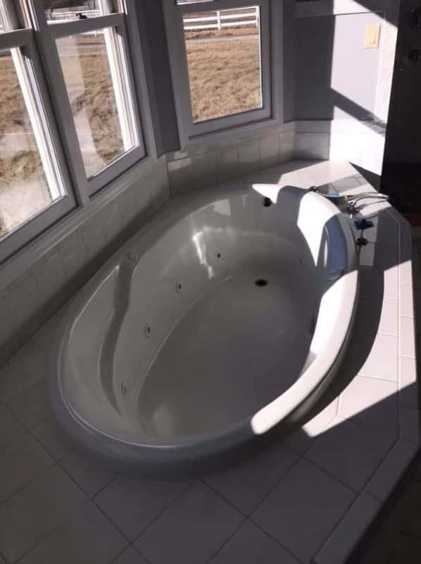 Expert Bathtub Refinishing Amp Reglazing In St Charles IL