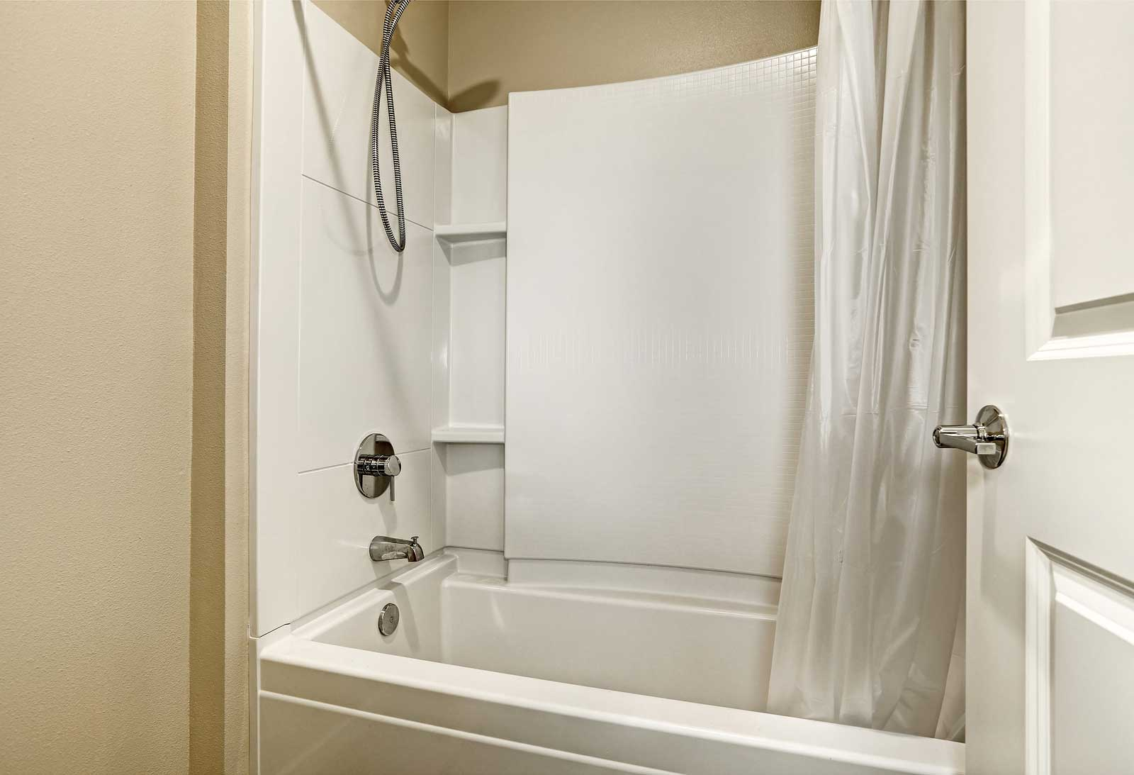 Fiberglass Bathtub Amp Shower Repair Experts In St Charles IL