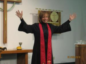 Pastor Ginger gives the Benediction
