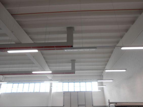 Dettaglio nastro radiante Girad installato nel capannone Brianza Plastica