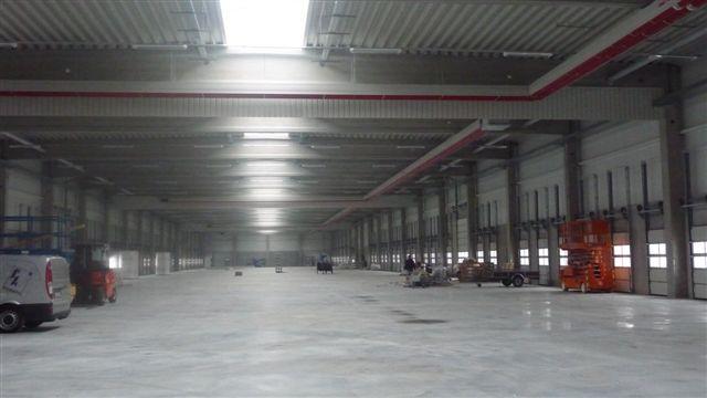Girad Fraccaro installati nel capannone DHL in Germania