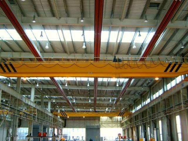 Interno stabilimento Woojing operante nel settore ferroviario riscaldato con nastri radianti Fraccaro