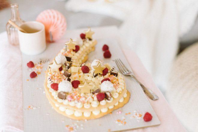 Isst Torte Fotos Imago Images