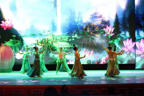 china-urlaub-erfahrungen-peking-drums-bells-tower-theater-artisten-show-20
