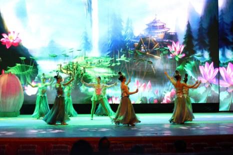 china-urlaub-erfahrungen-peking-drums-bells-tower-theater-artisten-show-20