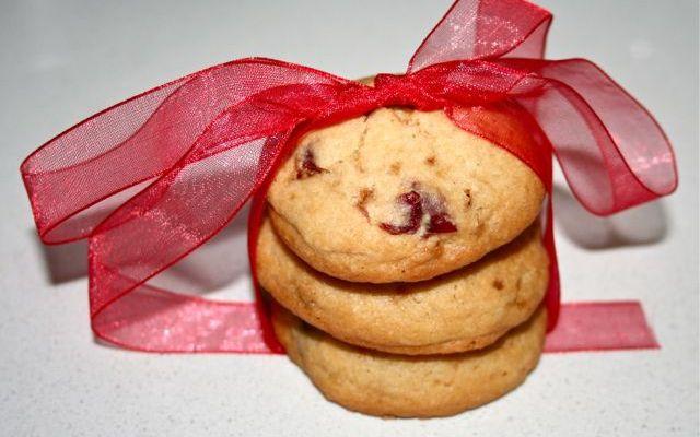 Cookies con mirtilli rossi e cioccolato bianco