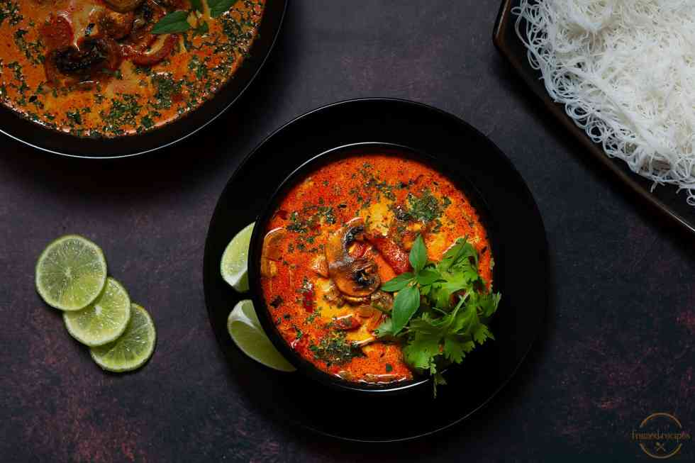serving suggestions for thai coconut curry soup
