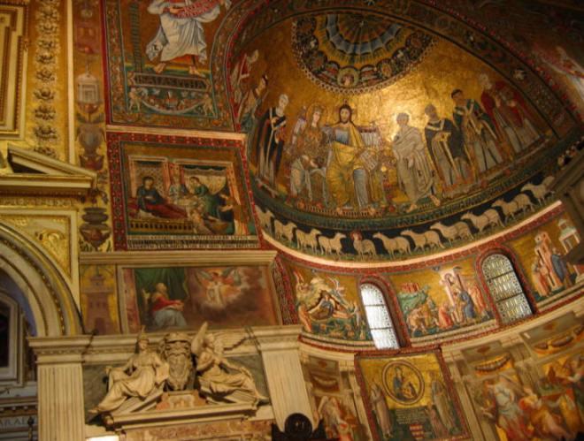 Interno Santa Maria in Trastevere, Roma