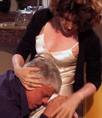 Fanny Ardant e Michele Placido ne L'odore del sangue (2004)