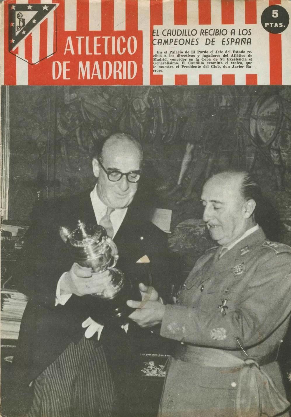 Francisco Franco riceve la squadra campione di Spagna. www.elmundo.es