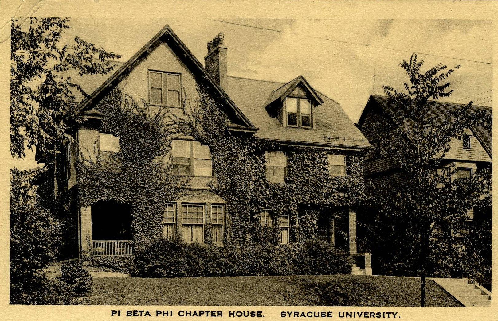 Before 210 Walnut Place, Syracuse, New York - Fraternity