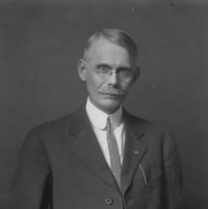Thomas Arkle Clark Courtesy of the University of Illinois)