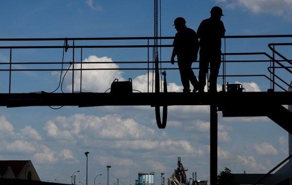 Prévenir les risques de chutes de hauteur BTP artisans du bâtiment prévention risque formation réglementation échafaudage