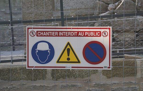 Comment sécuriser un chantier signaliser une zone de travaux pour éviter les accidents et vols protéger les salariés et mettre en place signalisation