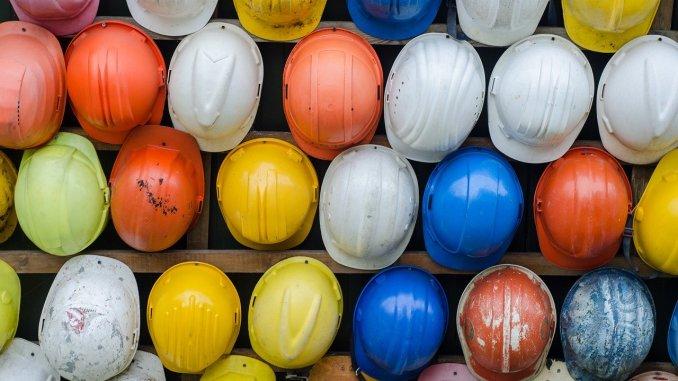 distanciation sociale construction entreprise Bâtiment artisan BTP coronavirus covid 19 travail en hauteur échafaudage