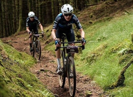 course de vélo en foret