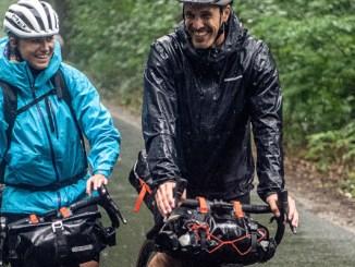 Faire du bikepacking en couple pour la Saint-Valentin ou une lune de miel