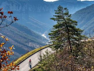 La Lozère à vélo : pédalées renversantes au cœur des Gorges du Tarn