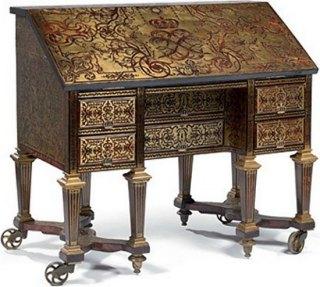 bureau livre en 1685 pour louis xiv provenant du petit cabinet du roi a versailles